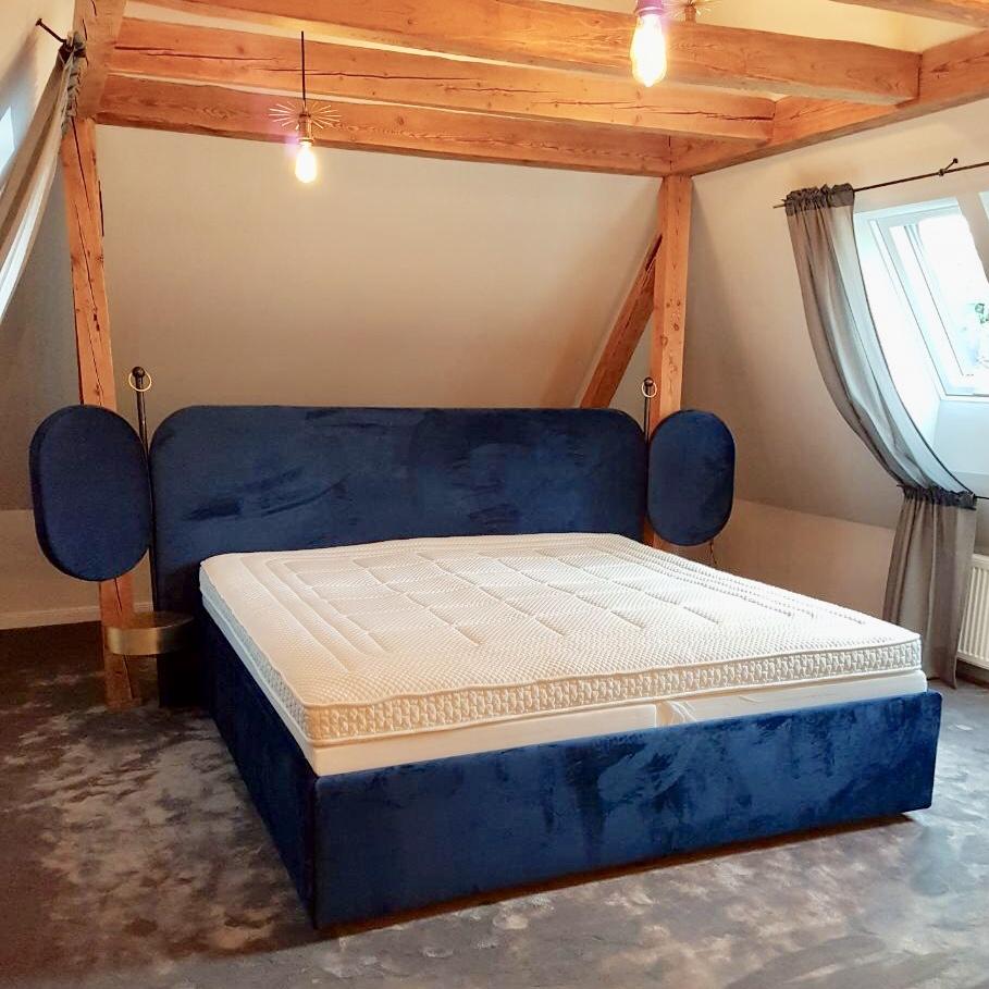 Polsterarbeit für De Facto Möbel Ladenbau + mehr